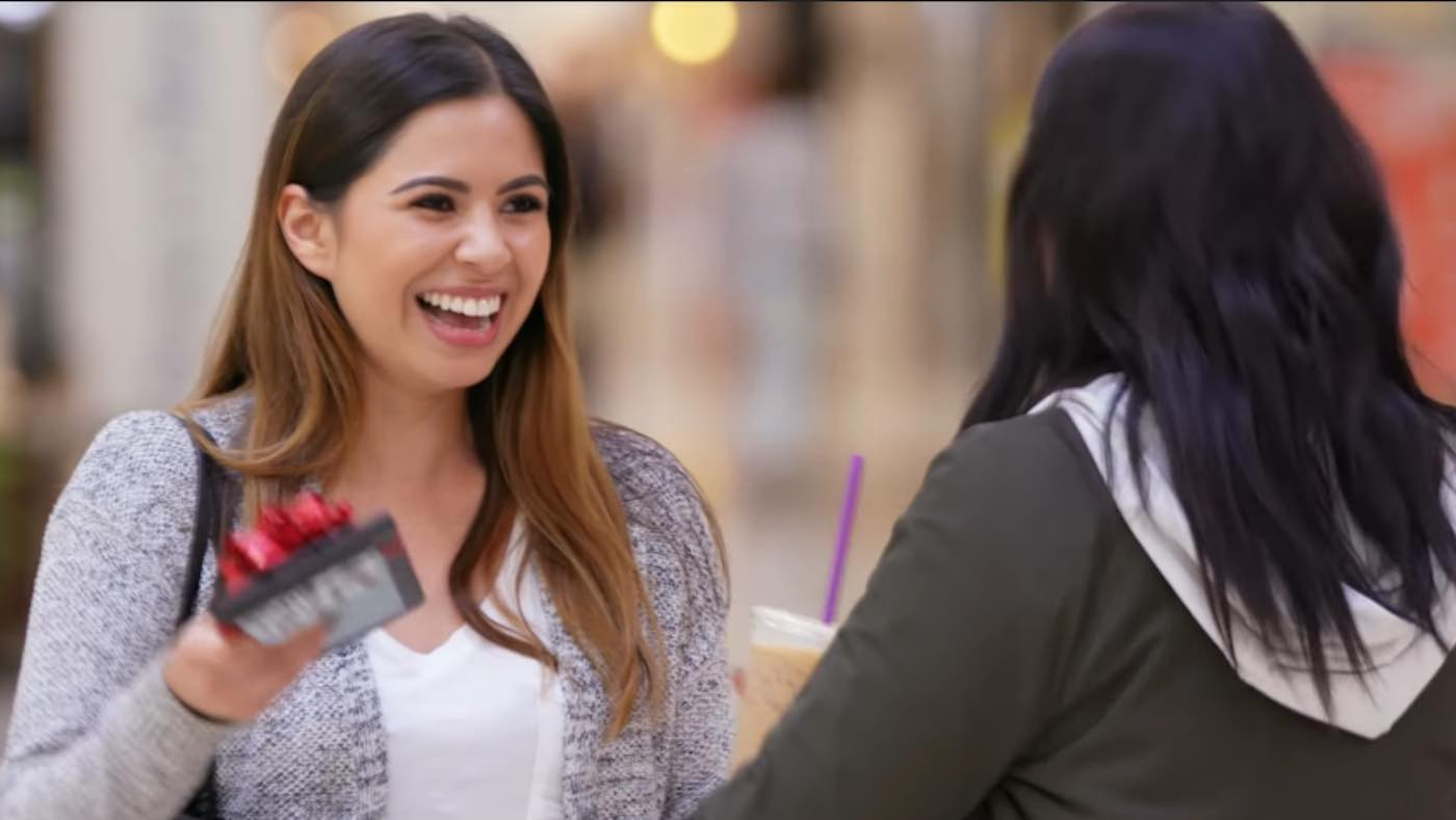 Watch 3 People Give Gifts and Cash to Strangers (And How They Turned Out to Be Happiest of All)