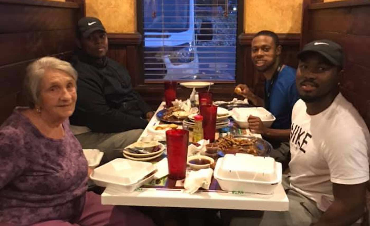 Young Man Invites Solitary Senior to Eat With Him and Discovers She is a Widow On a Special Anniversary