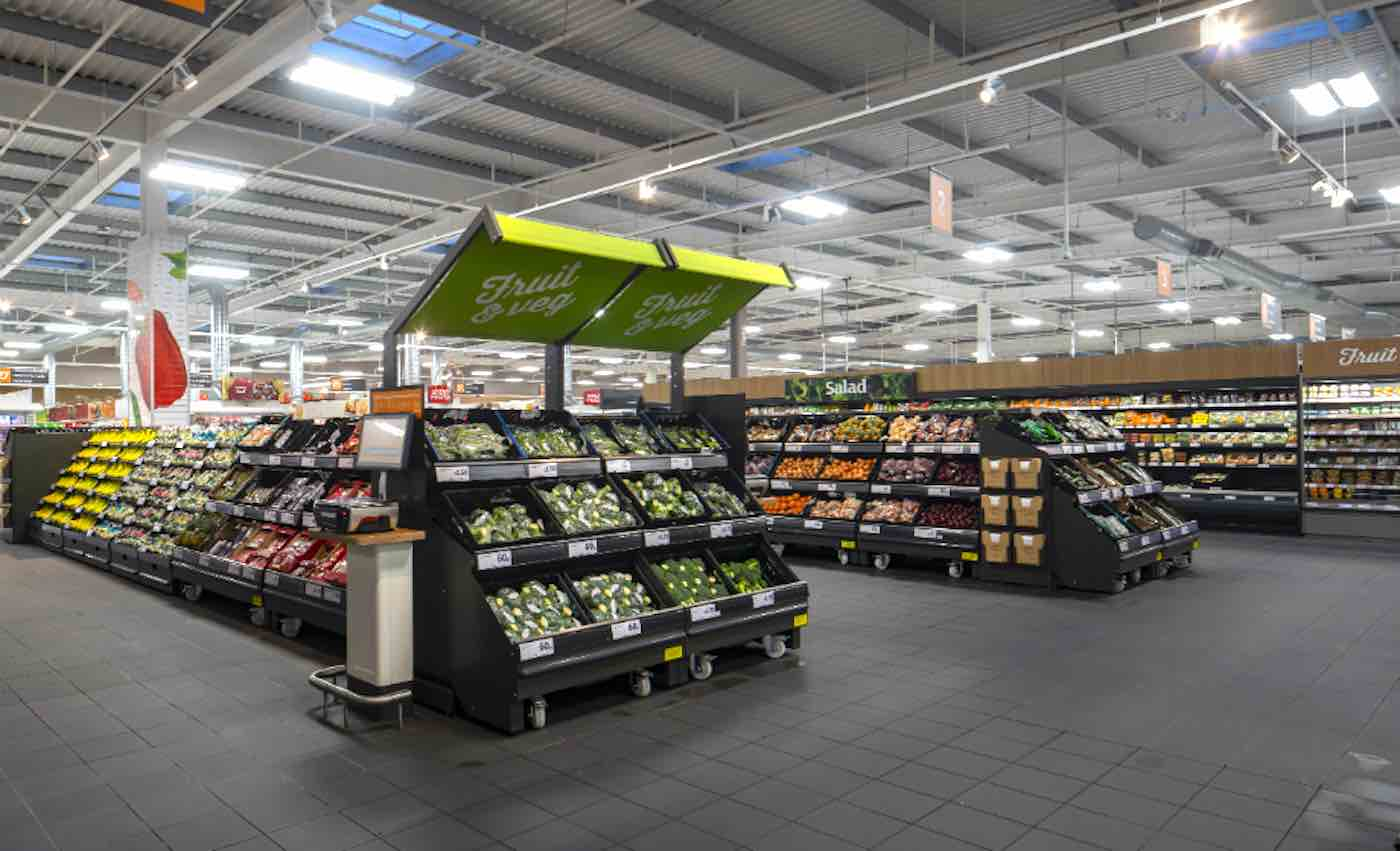 First UK Supermarket Chain to Eliminate Plastic From Produce Will Save 1,300 Tons of Plastic From Landfill