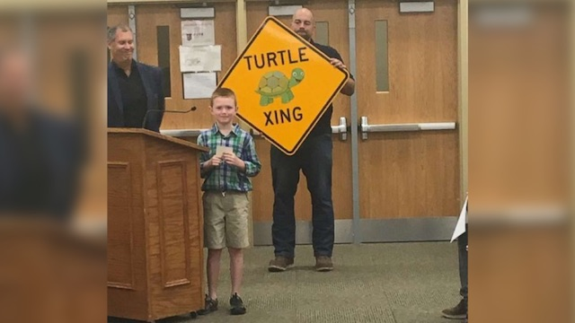 City Gets First Ever 'Turtle Crossing' Signs After Concerned Second Grader Writes Letter to the Mayor