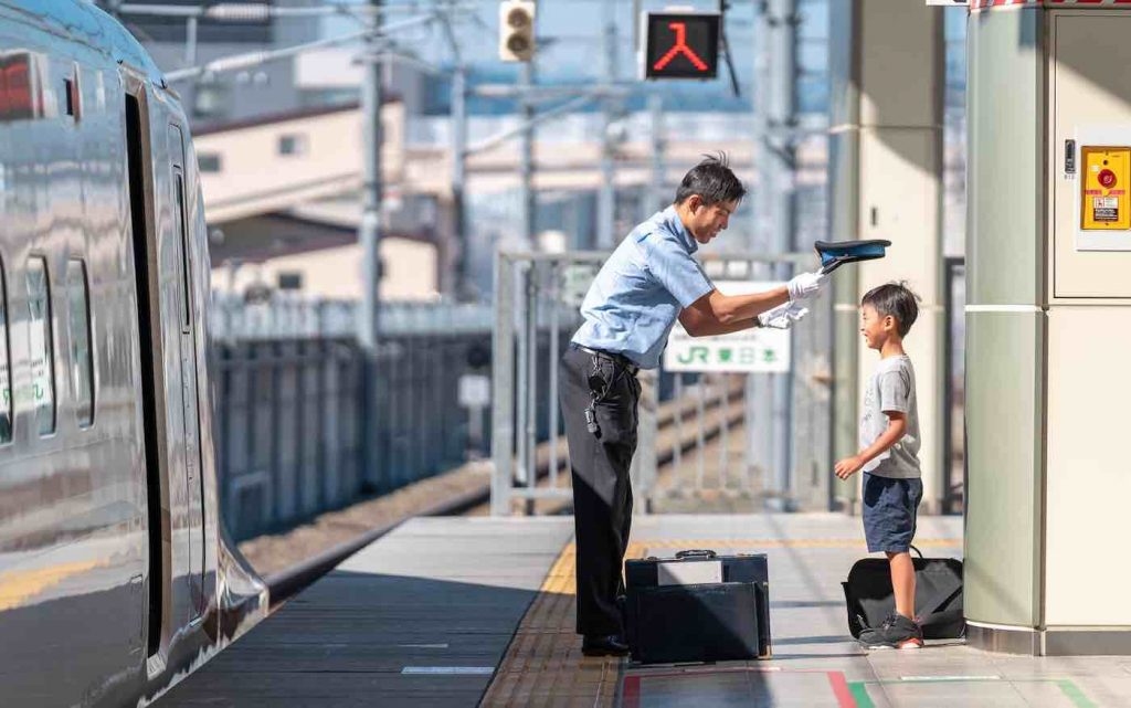 These Heart-Melting Photos Capture the Moment a Conductor Showed Some Love to a Young Train Enthusiast
