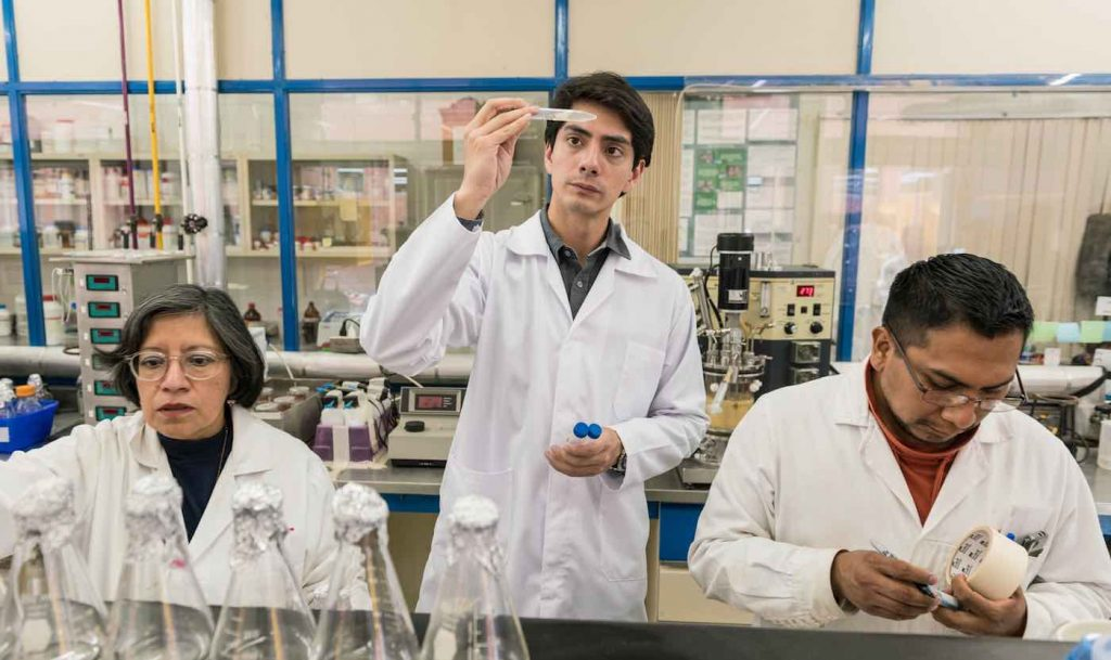 In Helping His Dad With Diabetes, Young Mexican Chemist Pioneers Healthy—and Cheap—Sugar Substitute