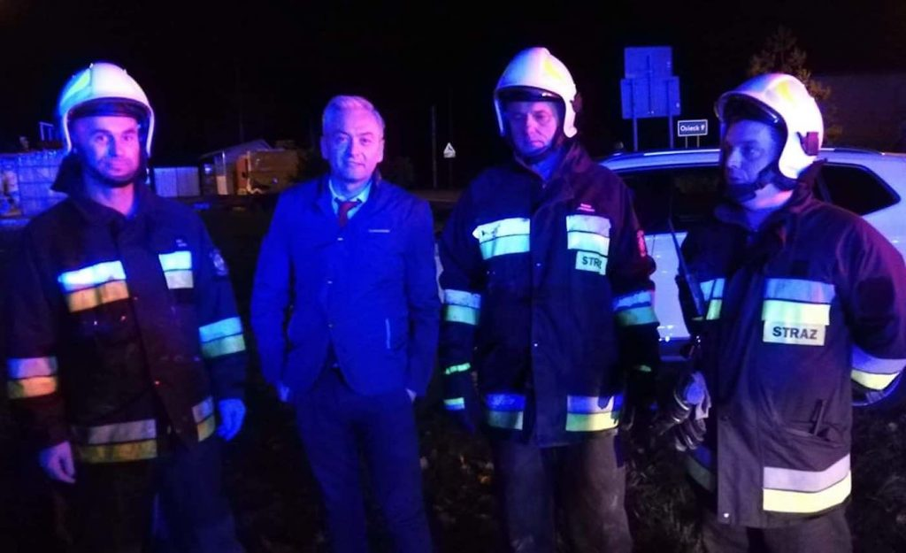 Politician Hailed as Nationwide Hero After He Rescues Father and Son From Burning Car