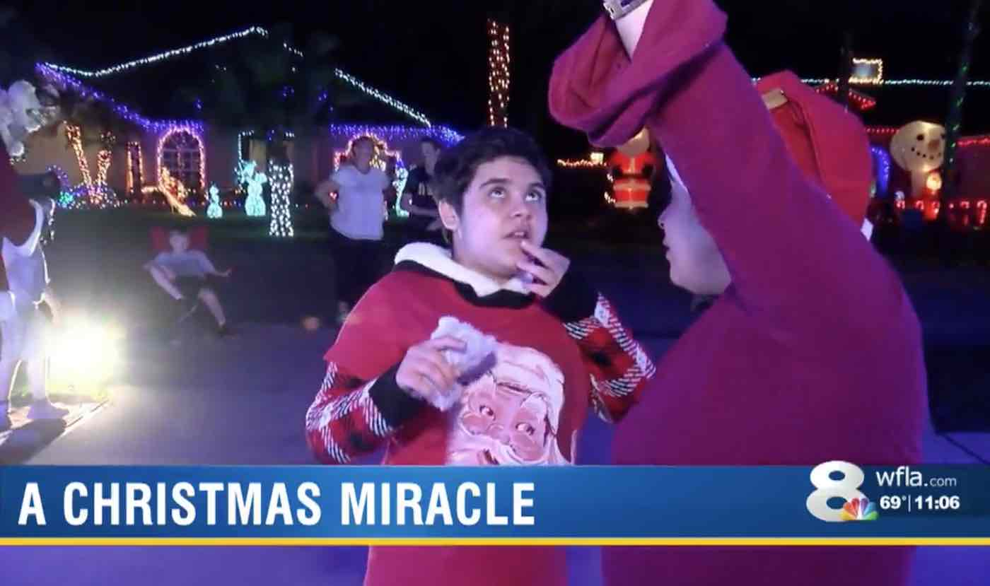 Miracle Guy: Love Bites: Christmas
