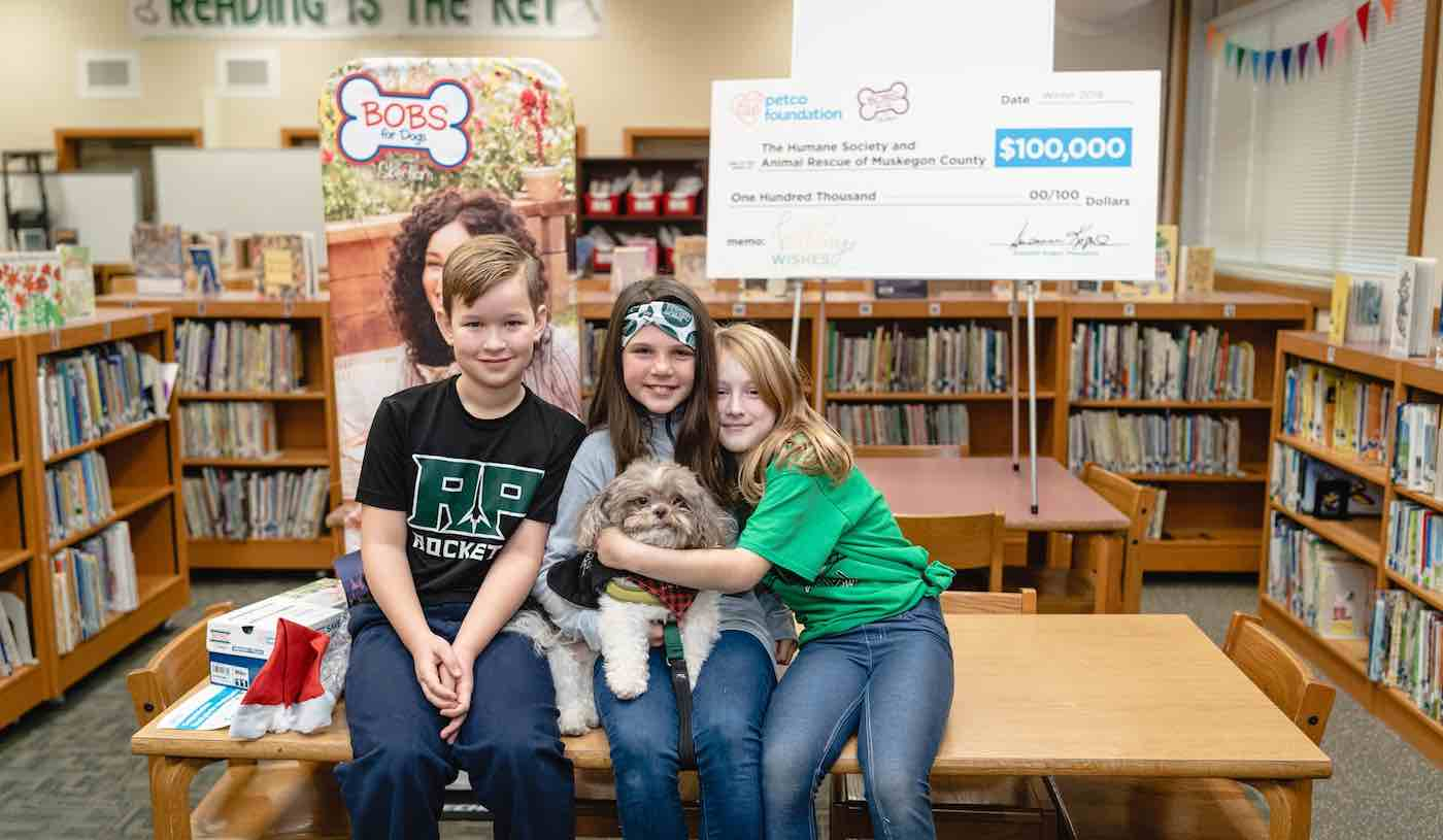 First Graders Persuaded School to Adopt Therapy Dog—And Their Story Won $100K for Shelter That Housed Him