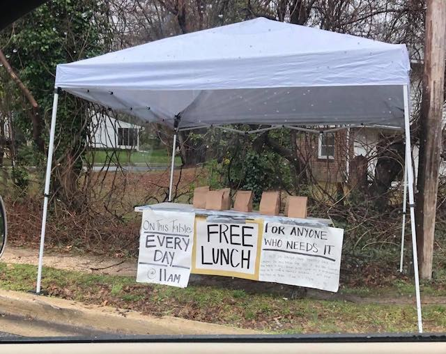 Mystery Mom Has Been Leaving Out Free Bagged Lunches 'Made With Love' for Anyone Who May Need Them  Free-Lunches-During-Quarantine-Full-Delegate-Nic-Kipke-Facebook