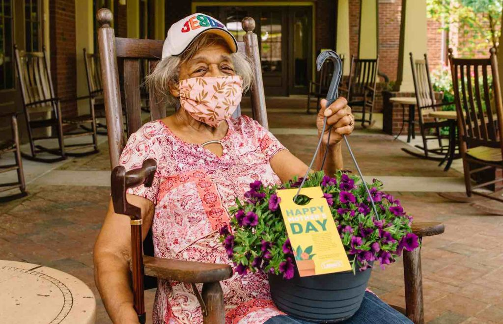 Lowe's Celebrates Mother's Day With Flower Deliveries To Senior Housing Facilities Nationwide