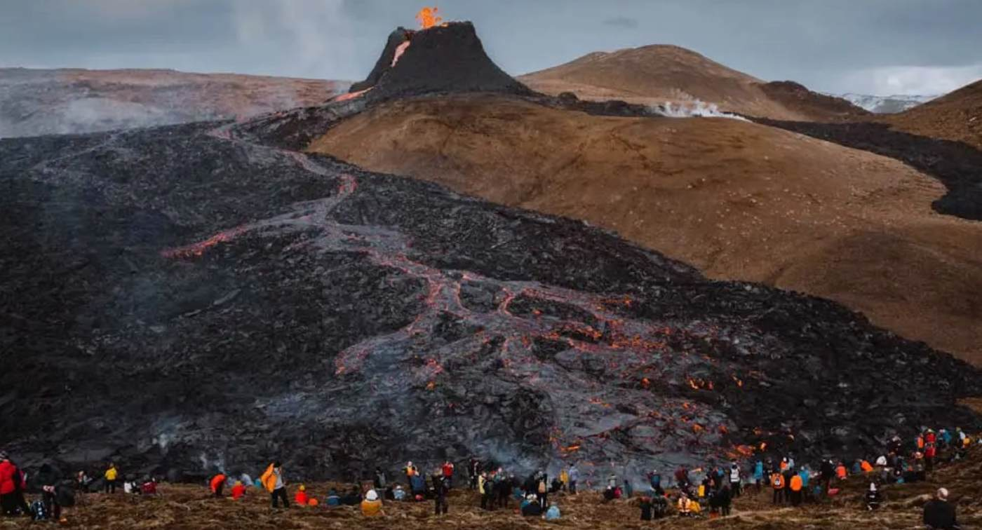 Spontaneous Spirit of Humanity Takes Center Stage Around Erupting Iceland  Volcano—WATCH