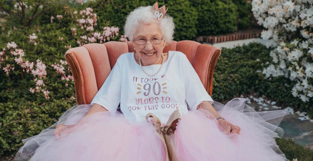 This Granny Turned 90 And Has a Blast at Her Princess-Themed Birthday Party – LOOK